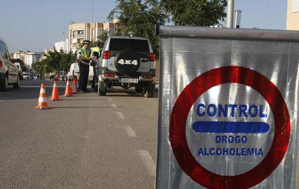 Los agentes policiales detuvieron el vehículo en un control rutinario en la isla de Ibiza.