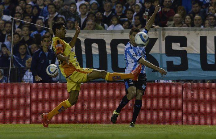 El equipo de Avellaneda no tuvo inconvenientes en dominar al equipo de Misiones. (Foto: NA)
