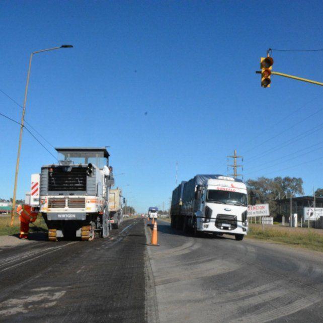 Firmat. La ruta nacional 33 comenzó a ser reparada este martes
