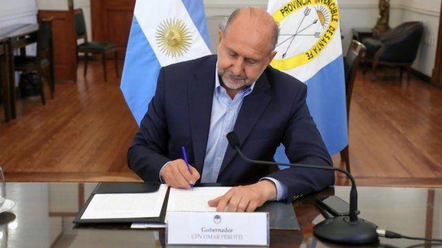 el-gobernador-omar-perotti