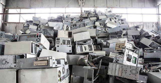 Dónde tirar la vieja PC y los teclados