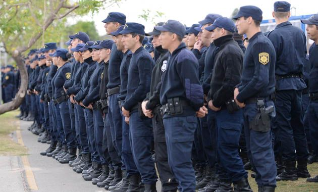 La Policía de Acción Táctica fue presentada hoy en Rosario con un acto en barrio La Cerámica. (Foto: S. Salinas)