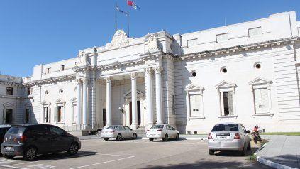 La Legislatura se hizo eco de la denuncia sobre vacunaciones irregulares en un hospital dependiente de la provincia.