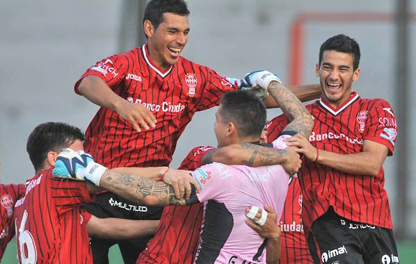 El Globito sube. La victoria ante el líder lo acercó a Instituto e Independiente.