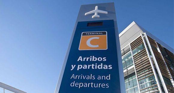 Detienen a dos pasajeros con diez kilos de cocaína en el aeropuerto de Ezeiza