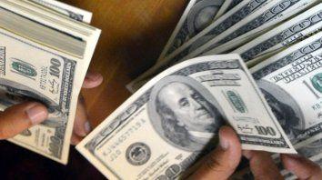 Los bancos vuelven a vender dólares.