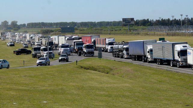 Los transportistas endurecen la lucha y volverán a cortar las rutas