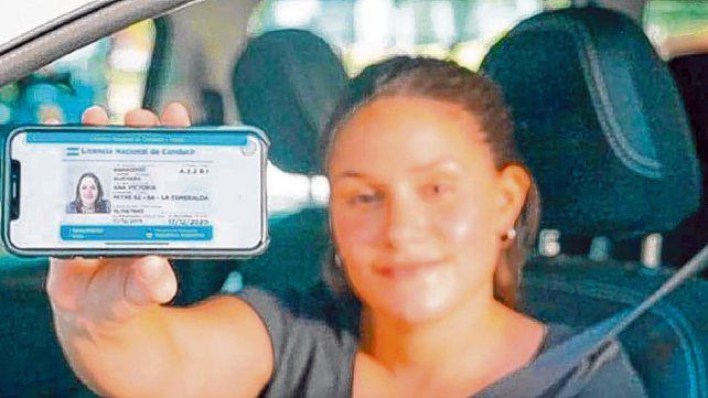 Tarjeta verde digital. 20 millones de argentinos que tienen licencia pueden exhibirla desde el celular