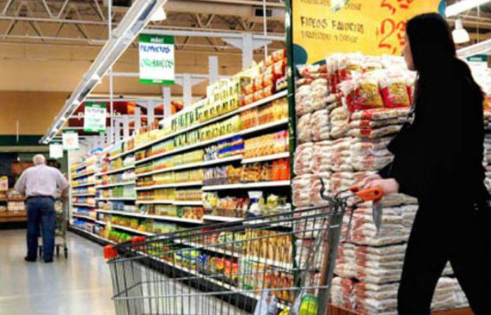 Comerciantes advierten que algunos locales podrían cerrar sus puertas debido al fuerte aumento de las tarifas. (Foto de archivo)