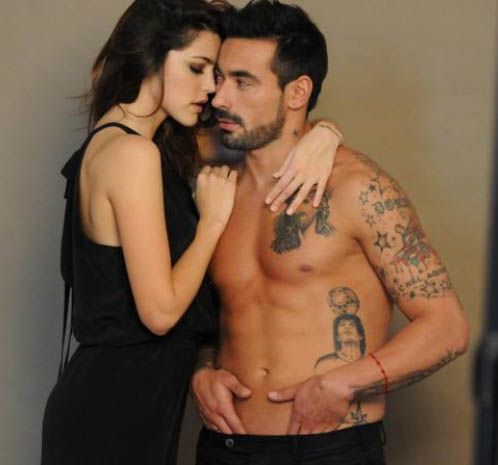 El sensual comercial que filmaron Calu Rivero y el Pocho Lavezzi, el sex symbol del momento