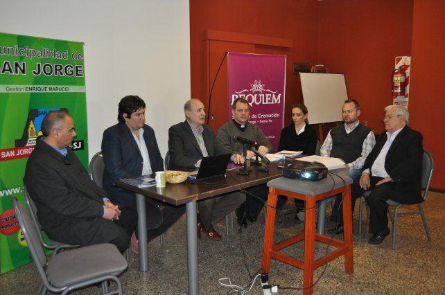 Presentación. Funcionarios y empresarios dieron detalles sobre el futuro servicio.