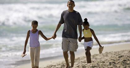 Barack Obama pide a los estadounidenses ser mejores padres que el suyo