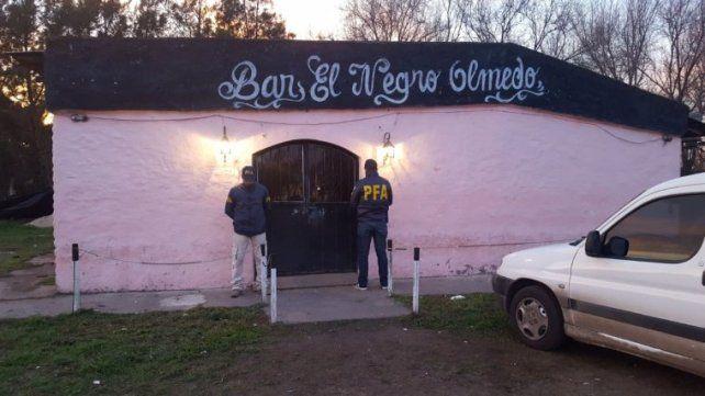 El operativo policial fue realizado en un local de la vecina localidad de Pueblo Esther.