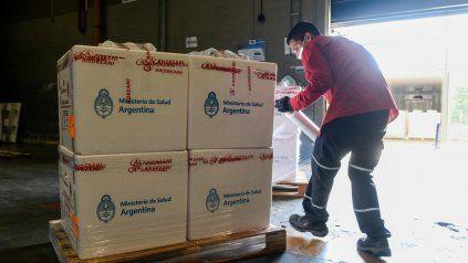 Santa Fe recibe otras 50 mil vacunas de la Sputnik V que llegaron el lunes al país