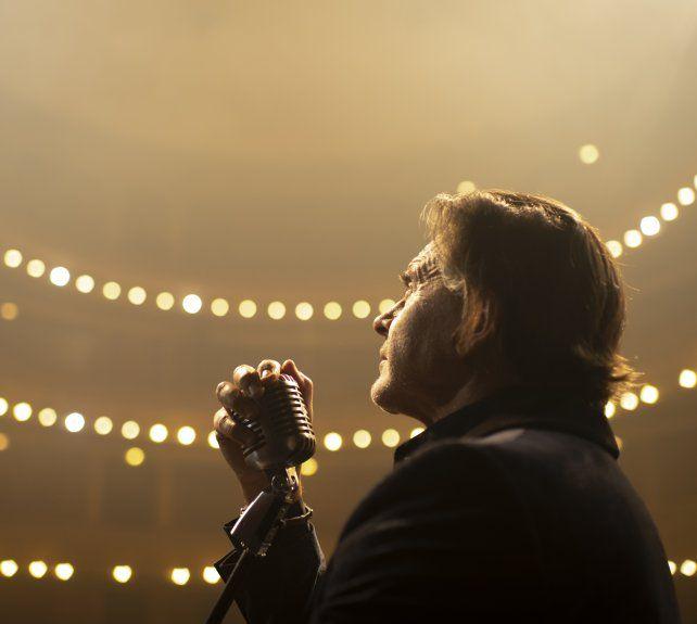 Cine/Crítica de Bandido: En busca de la canción que le dé felicidad al éxito