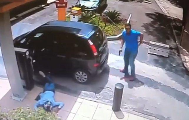 Un policía fuera de servicio mató a un delincuente que intentó robarle el auto a punta de pistola