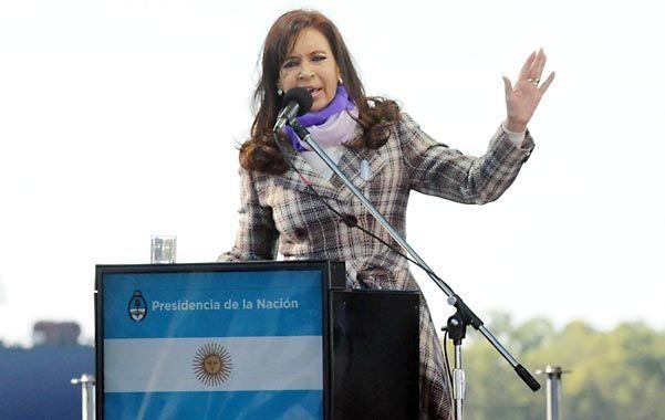 """A la vera del río. Cristina reivindicó el desendeudamiento que llevó adelante Néstor Kirchner y dijo que ella es """"una presidenta responsable""""."""