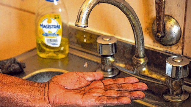 La pandemia del nuevo coronavirus deja expuestas las desigualdades en el acceso al agua potable.