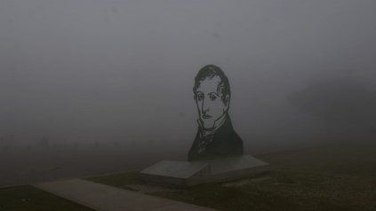 El día que la espesa niebla sobre Rosario hizo desaparecer el Monumento a la Bandera
