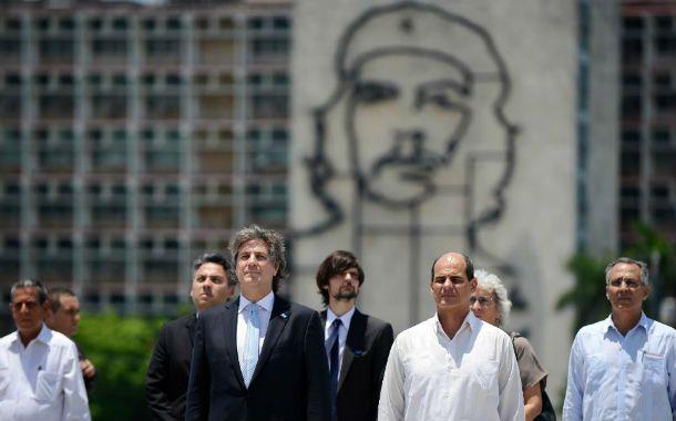 Bajo presión. El vicepresidente está en gira oficial en Cuba y regresará
