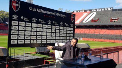 En casa. Gamboa ofreció la primera rueda de prensa en el Coloso. El Negro está feliz y lo reflejó en cada palabra.