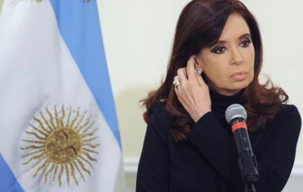La presidenta Cristina Fernández se recupera en el sanatorio Otamendi de la Ciudad Autónoma de Buenos Aires.