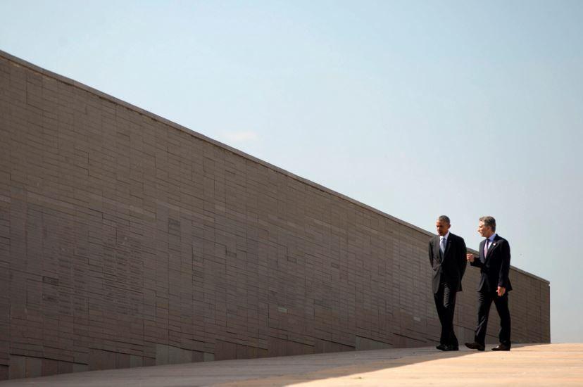 Obama y Macri esta mañana en el Parque de la Memoria.
