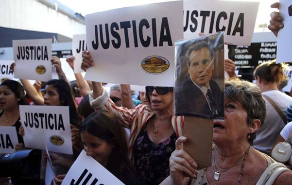 Los asistentes a la marcha expresaron su angustia y su impotencia ante un nuevo muerto en la causa.