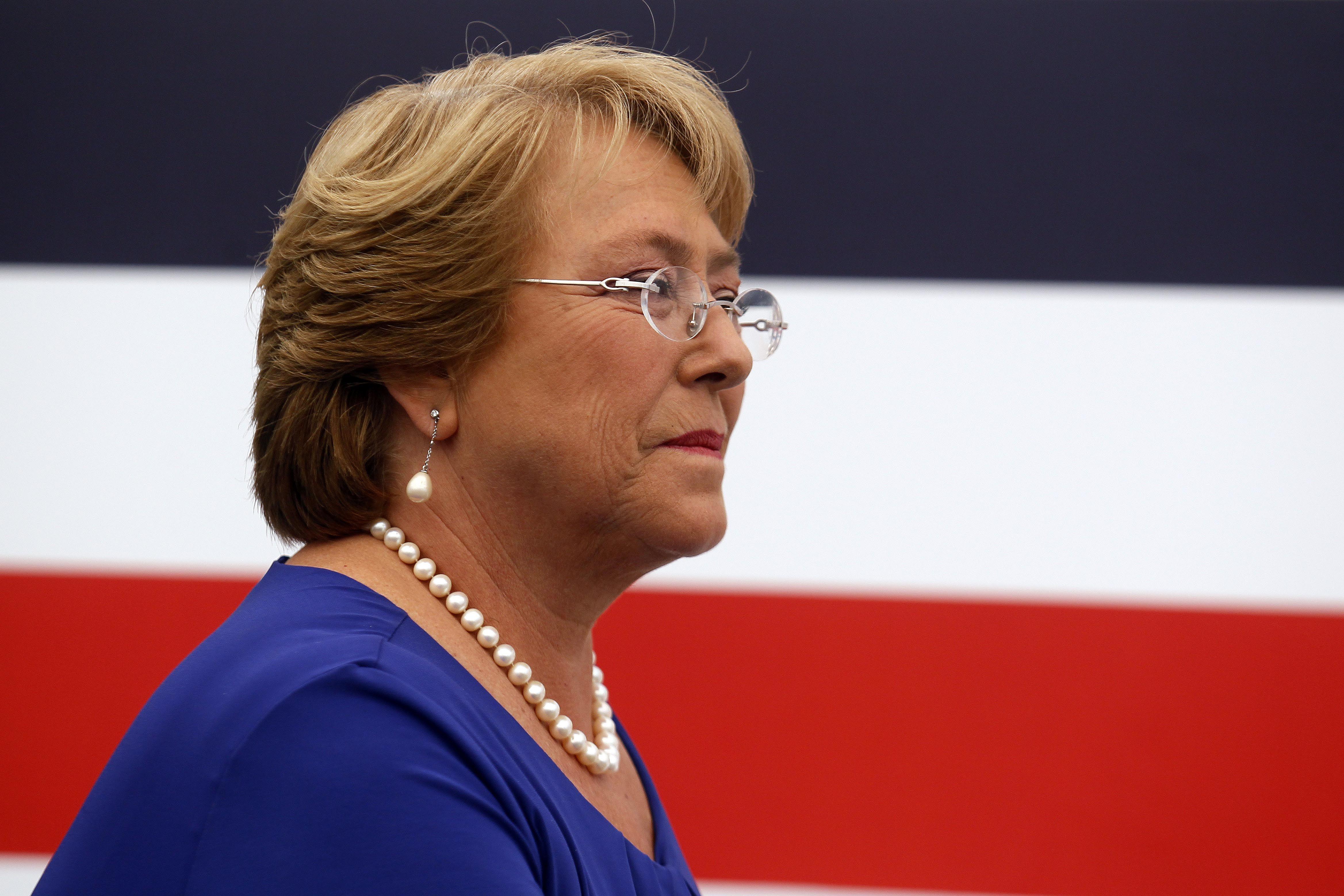 Anuncios. Bachelet busca acabar con las irregularidades