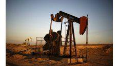 Por temas de cambio climático, compañías y países están reduciendo las inversiones de capital en proyectos de hidrocarburos tradicionales.