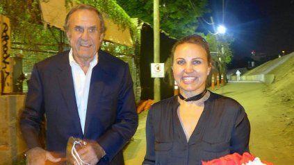 El ex jefe de la Casa Gris junto a Cora, su hija mayor.
