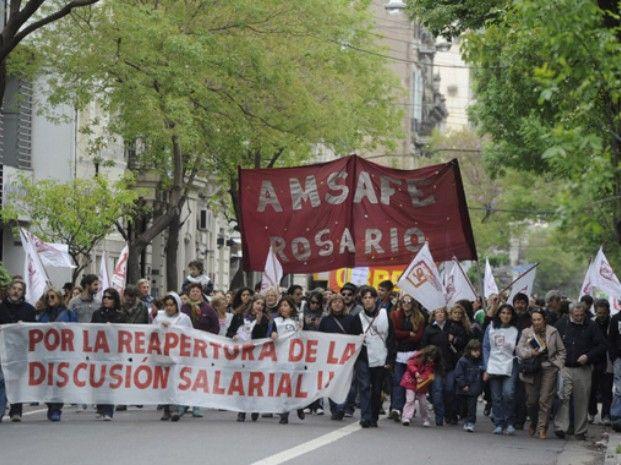 La huelga de los docentes se hace sentir en las escuelas públicas de Rosario
