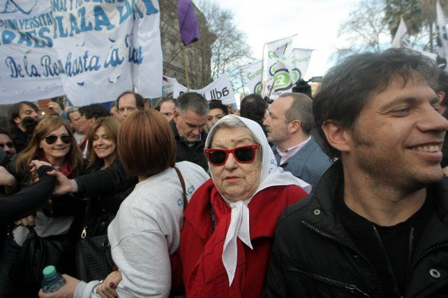 Hebe de Bonafini encabezó la ronda número 2.000 de Madres de Plaza de Mayo.