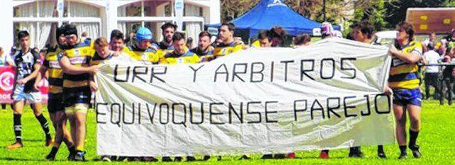 La protesta. La bandera se extendió el sábado pasado en el partido entre GER y Estudiantes