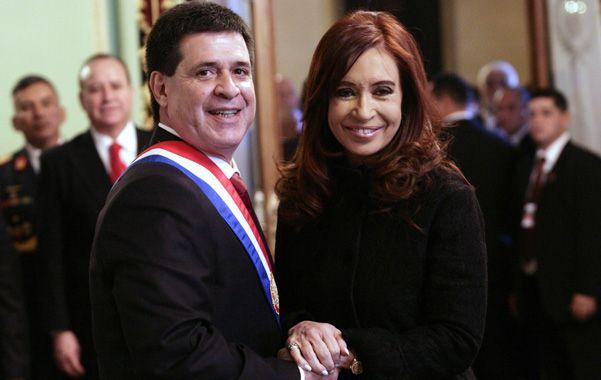Tras la jura. La presidenta argentina mantuvo un encuentro privado con Cartes en la sede de gobierno.