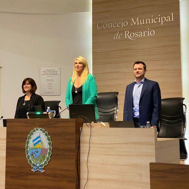 Por otros 12 meses. Schmuck seguirá escoltada por el vicepresidente Roy López Molina y la vicepresidenta segunda Marina Magnani.