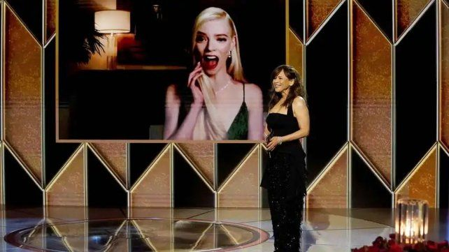 Anya Taylor-Joy en videoconferencia durante la entrega de los Globos de Oro.
