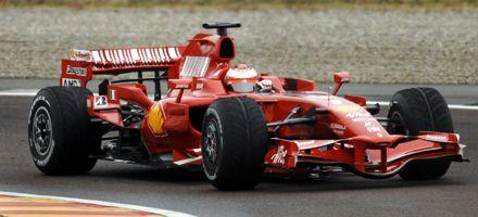 Raikkonen prueba por primera vez la nueva Ferrari