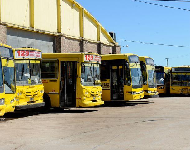 Los micros de la empresa Rosario Bus transitarán normalmente mañana.