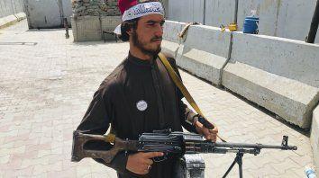 Los talibanes ahora controlan todo el país.