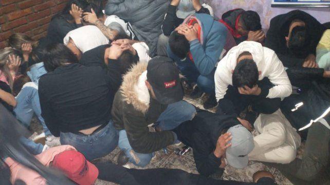 Más de 90 demorados por una fiesta clandestina en Villa Gobernador Gálvez