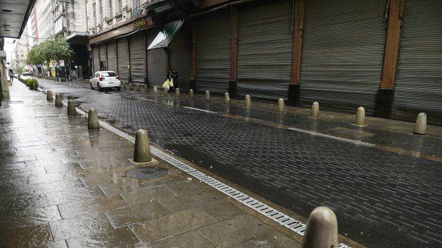 Entre las restricciones y la lluvia