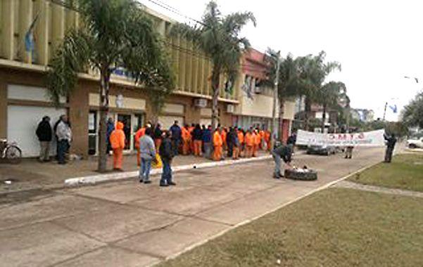 Manifestacion. Los empleados protagonizaron una ruidosa protesta.