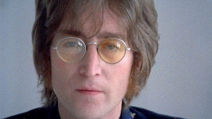 John Lennon, en el video del tema Imagine que este jueves cumple 50 años.