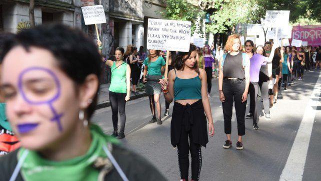 Habrá desvíos y cortes de tránsito en el centro por la marcha del Día de la Mujer