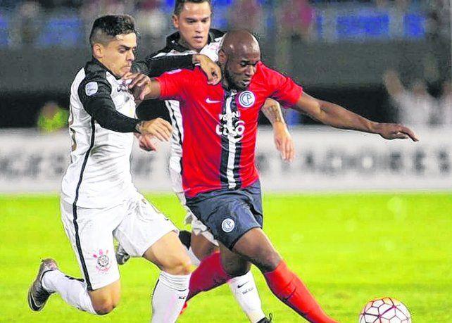 Ex Cerro Porteño. La Pantera Leal jugó en Paraguay previo a su último paso por México.