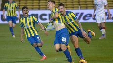 Dupuy grita con el alma el tanto de la victoria ante San Lorenzo.