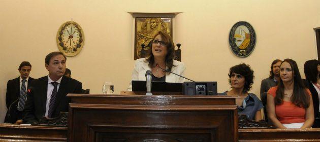 La intedenta Mónica Fein dejó inaugurado el período de sesiones ordinarias del Concejo Municipal de Rosario. (Foto: G. de los Rios)