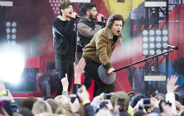 Harry Styles hace cantar a las fans. Los shows son pura energía.