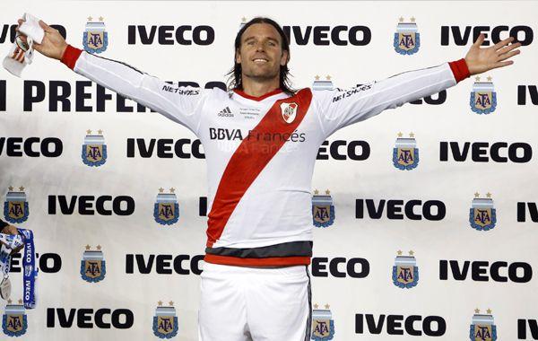 El Torito seguiría en el club de la banda roja.